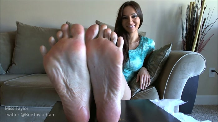 Miss Taylor - My Feet are Bigger than Yours