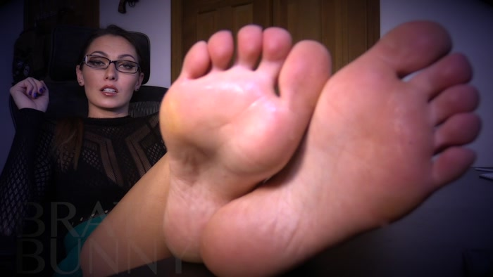 Bratty Bunny - Teachers Foot Piggy