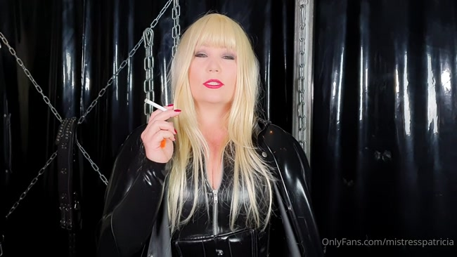 MISTRESS PATRICIA - I need an ashtray, now