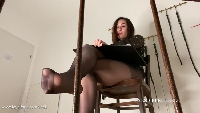 DOMINATRIX DINAH - Let Me Play With Your Nipples And The Cock